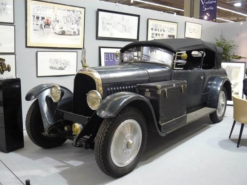 La Voisin C11 de 1927 exposée à Rétromobile 2010